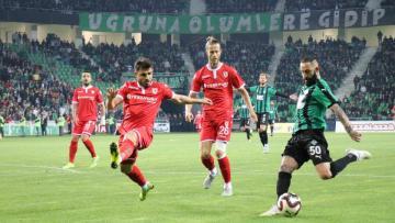 Sakaryaspor Evinde 1-0 Kazanarak Avantaj Yakaladı